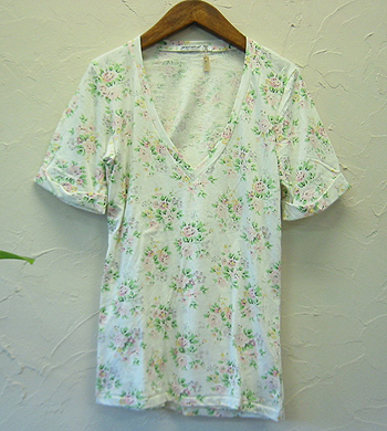 AN the tootie floral プリントVネックTシャツ.jpg
