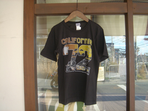 HRMインポート  US RAGS 「CALIFORNIA77」 Tシャツ