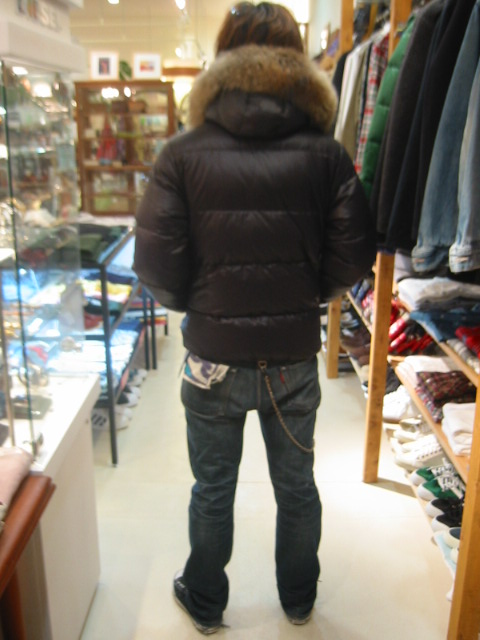 DUVETICA fallwinter2007/08 men collection U25201 vega 後ろから