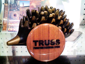 TRUSSオリジナル缶バッジ